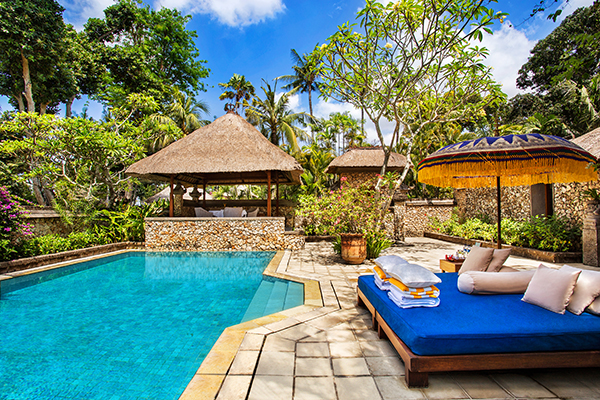 Villa Pool By Glenhaven Home & Garden